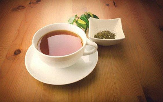 Учёные рассказали об опасности травяного чая