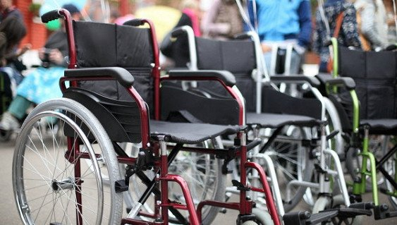 Инвалидные коляски вчетверо увеличивают риск повреждения плеча