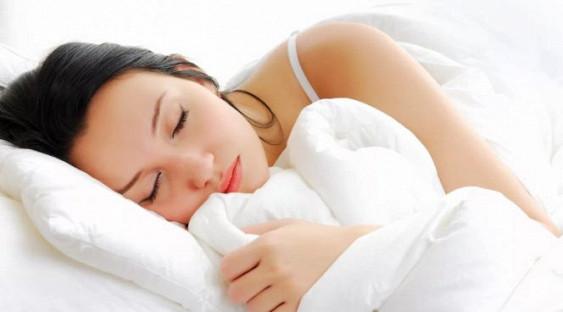 Ученые доказали, что спать на животе опасно