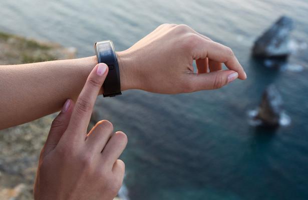 Nokia выпустит браслет, предсказывающий появление рака